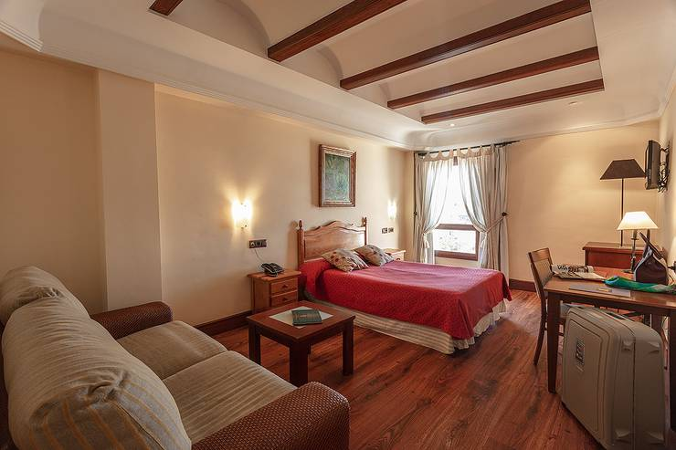 Double room plus extra bed (2 adult + 1 child) abades guadix 4* hotel
