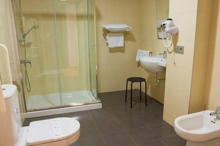 Double for individual use room abades vía norte 3* hotel miranda del ebro