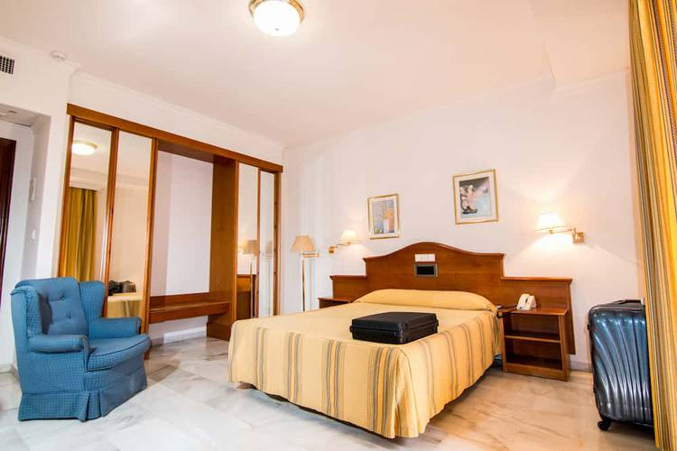 Double room individual use abades loja 3* hotel