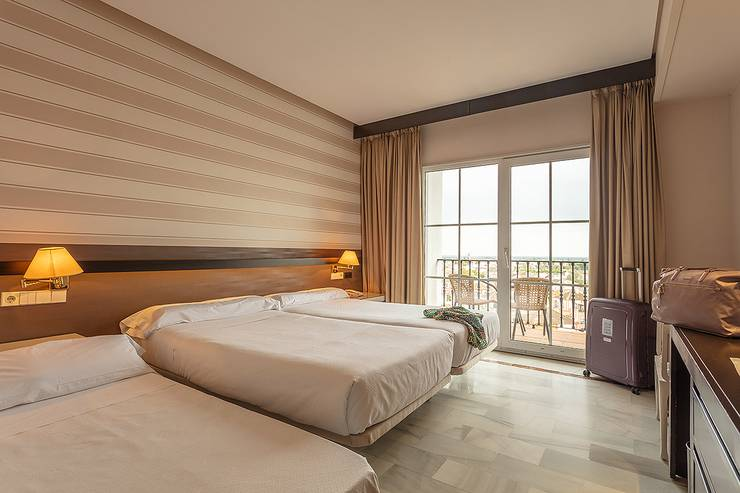 Double room plus extra bed (2 adult + 1 child) abades benacazón 4* hotel